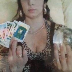 Clarvăzătoarea Alisa oferă servicii de magie de calitate